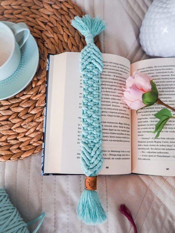 makramowa zakładka do książki